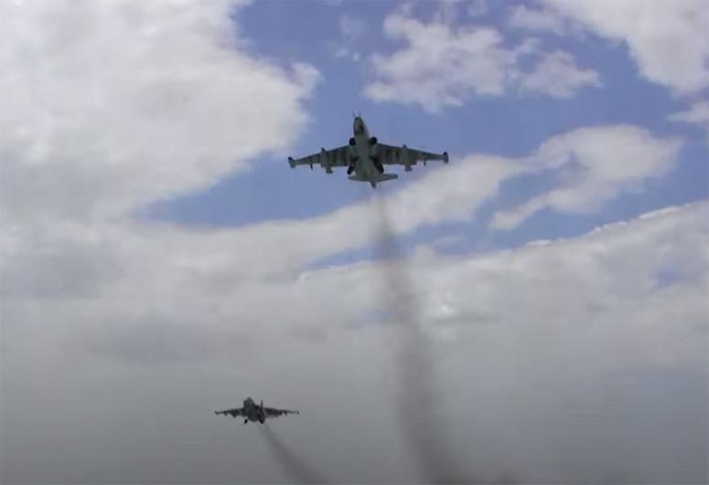 Авиационные средства ВВС выполняют плановые учебно-тренировочные полеты