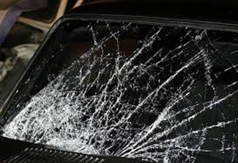 В Агстафе перевернулся легковой автомобиль, пострадал водитель