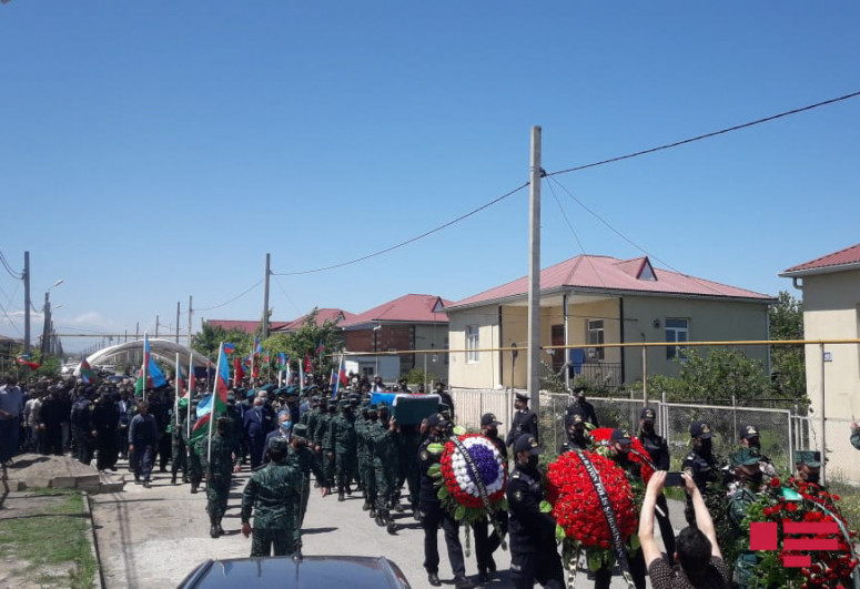 Azerbaijani warrant officer, killed as a result of violation of state border, laid to rest in Guba-<span class=