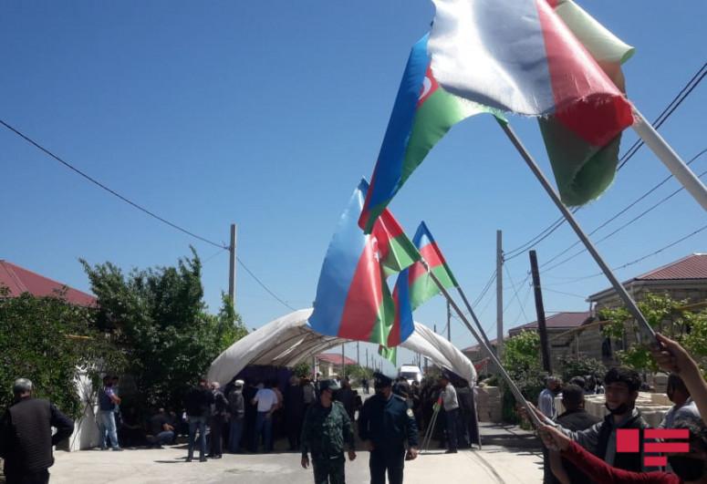 В Губе похоронен прапорщик, погибший в результате вооруженного инцидента с нарушителями границы-<span class=