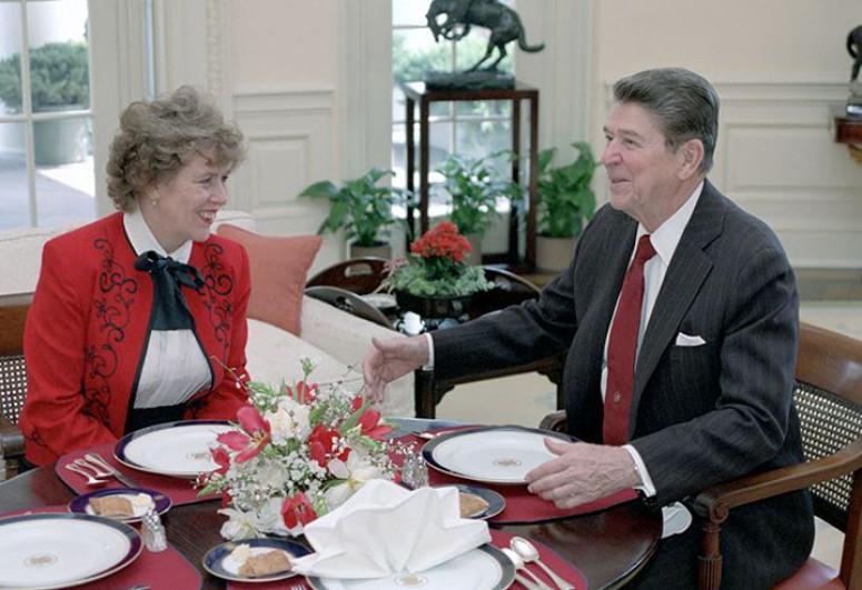 Former Reagan advisor asked Putin for Russian citizenship