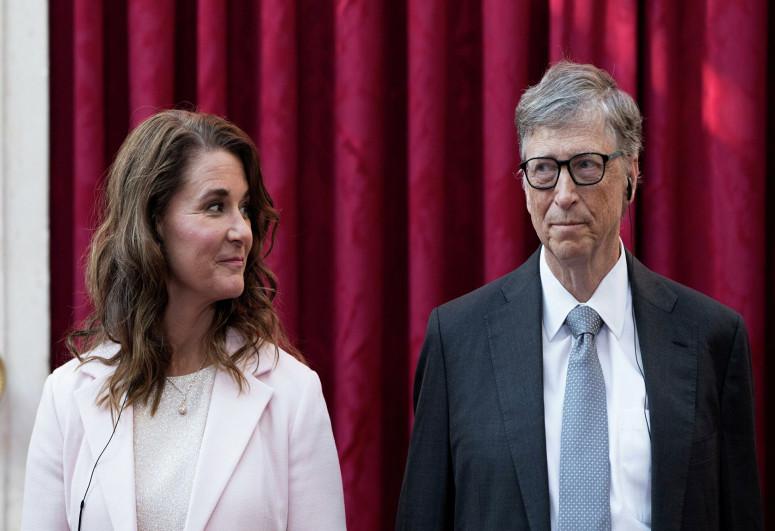 NYT: Билл Гейтс приглашал на свидание подчиненных за спиной у жены