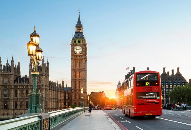 В Великобритании смягчены ограничения, введенные из-за коронавируса
