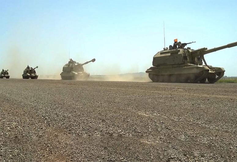 """Привлеченные к учениям войска занимают районы сосредоточения-<span class=""""red_color"""">ВИДЕО</span>"""
