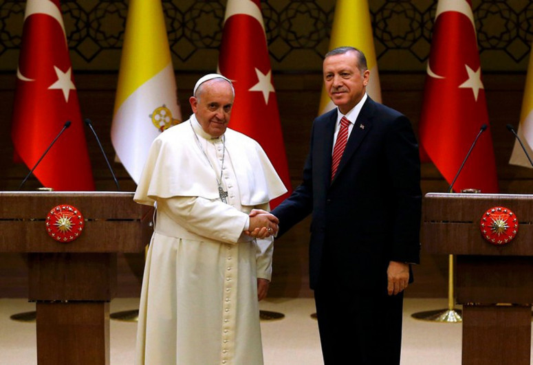 Erdogan discussed events occurred in Gaza with Pope Francis