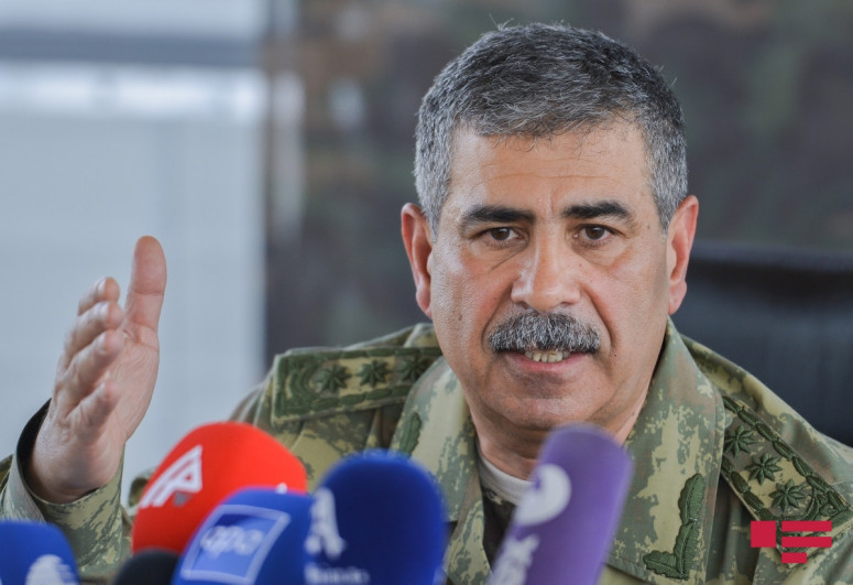Defense Minister of Azerbaijan heard the reports on the progress of the exercises