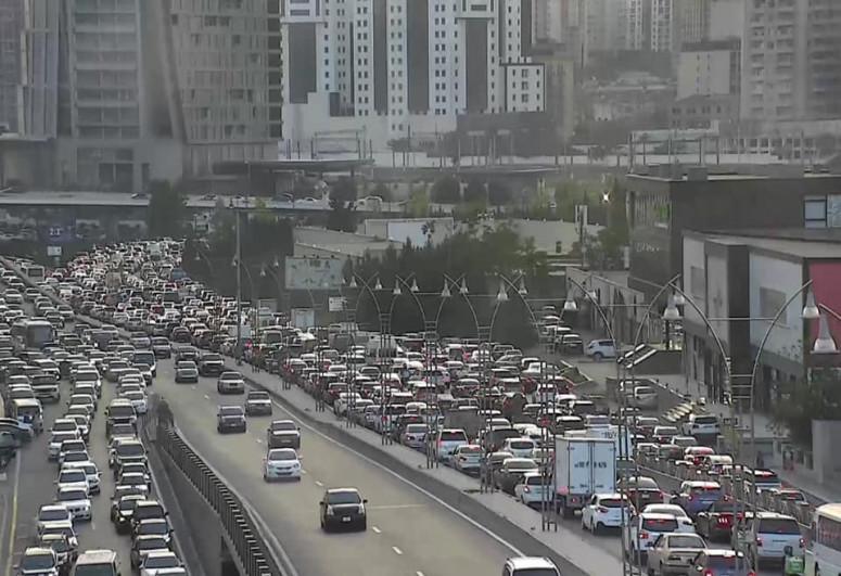 БТА: На столичных дорогах наблюдается плотный трафик-<span class=