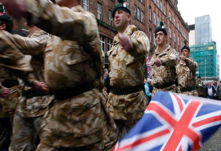 В Эстонии британские солдаты из-за женщины подрались с местными жителями
