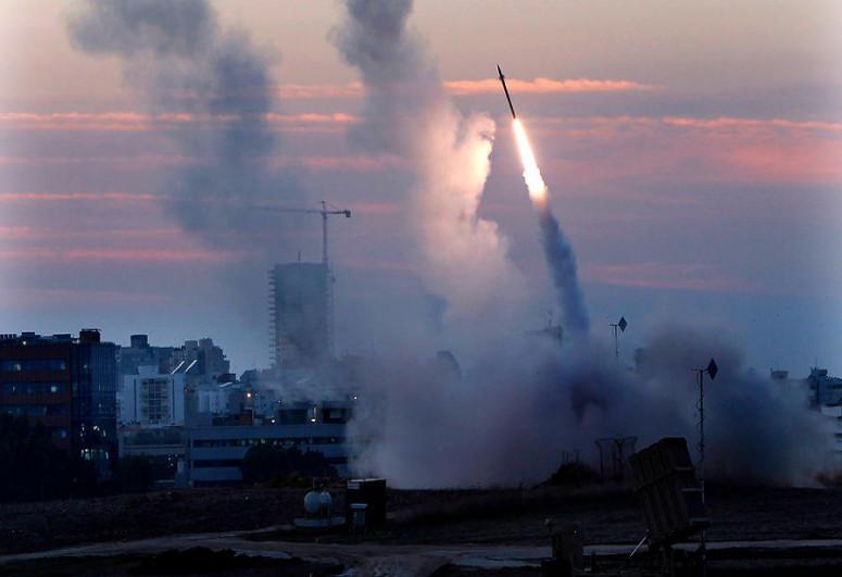 Израиль в ответ на неудачный запуск шести ракет из Ливана поразил источник огня