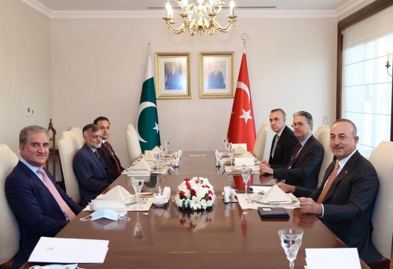 Состоялась встреча глав МИД Турции и Пакистана