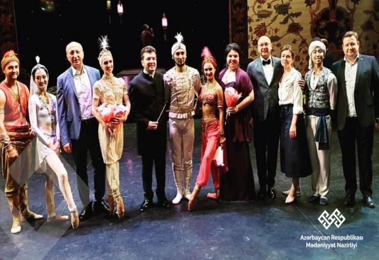 """Beynəlxalq Balet Festivalı Fikrət Əmirovun """"1001 gecə"""" əsəri ilə açılıb"""