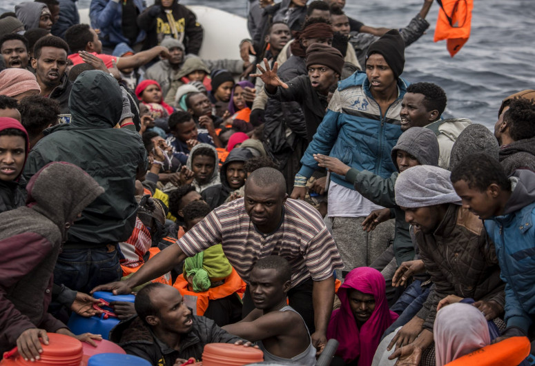 Испания вернула в Марокко 2,7 тысяч нелегальных мигрантов