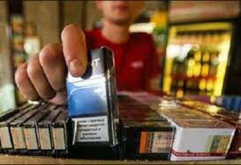 Yetkinlik yaşına çatmayana tütün məmulatları satılması aşkar edilib