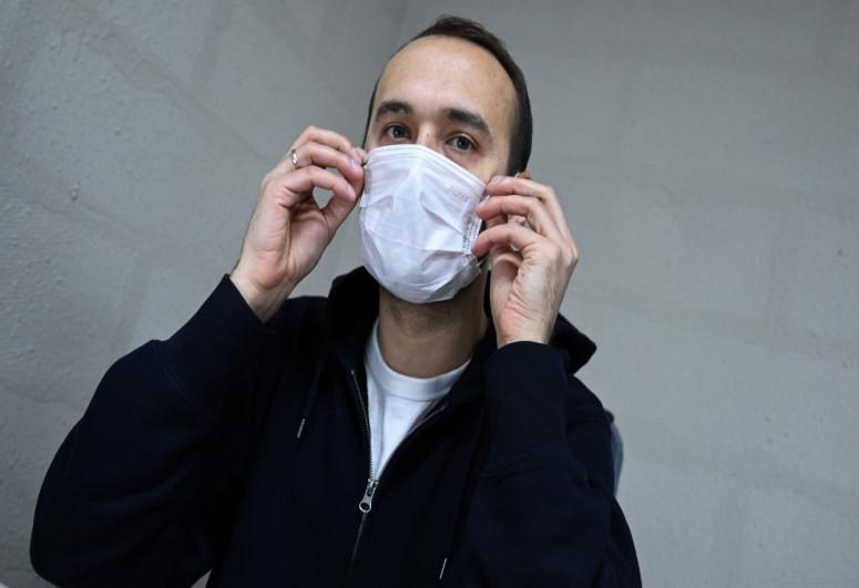 Rio-de-Janeiro şəhərinin meri maska taxmadığına görə cərimələnib