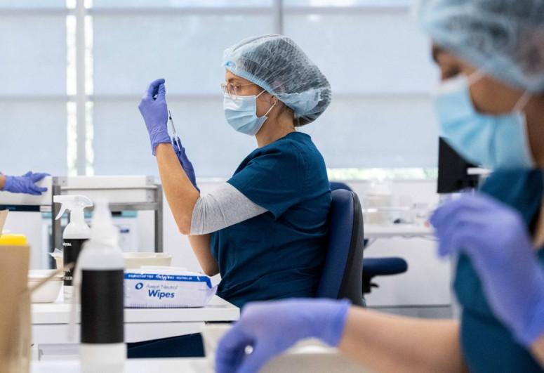"Australian doctors warn vaccine hesitancy makes citizens ""sitting ducks"""