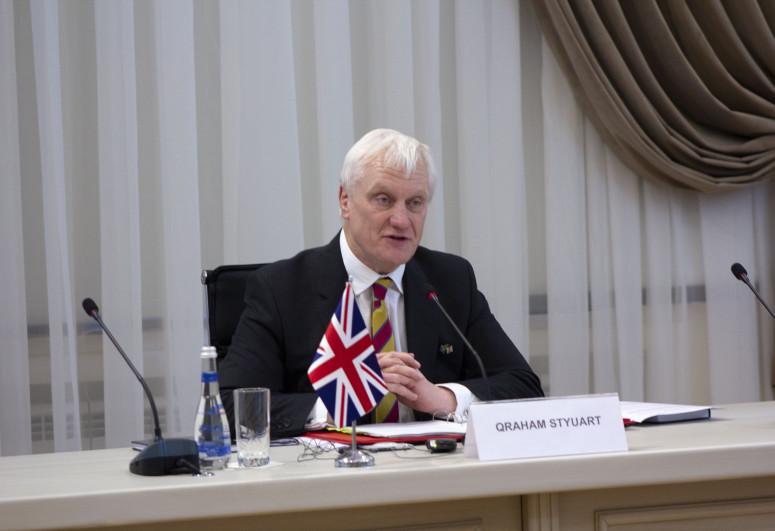 """Britaniya Azərbaycana """"ağıllı"""" texnologiyaların gətirilməsində iddialıdır"""