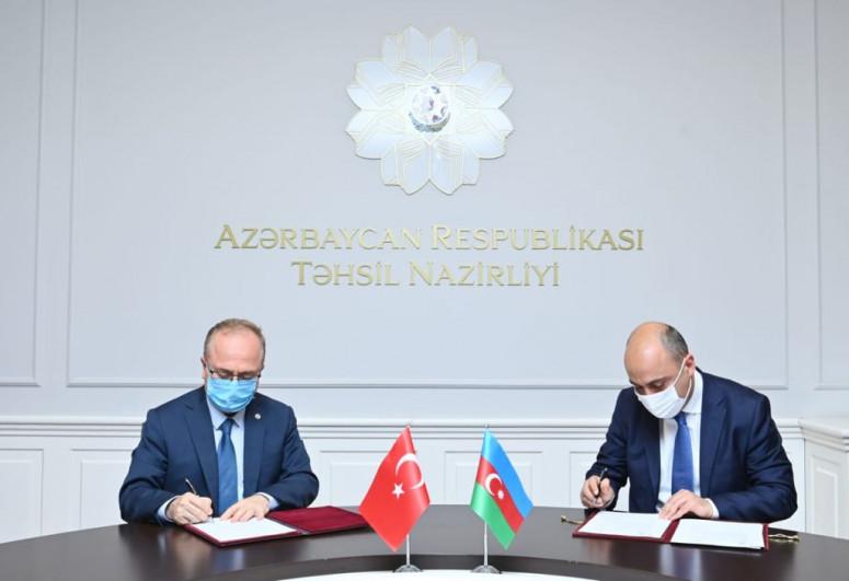 Təhsil Nazirliyi və Türkiyə Maarif Vəqfi əməkdaşlıq protokolu imzalayıb