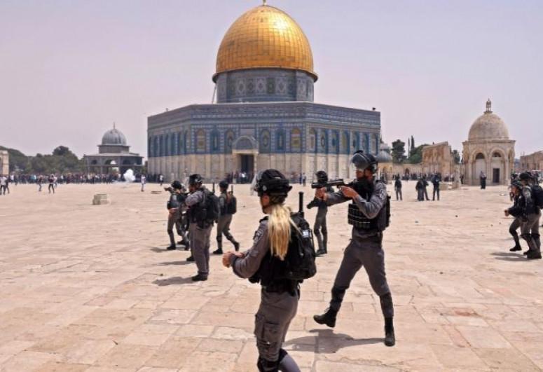 После прекращения огня в Иерусалиме произошло столкновение между израильской полицией и палестинцами