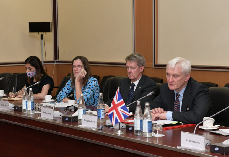Azerbaijan and Britain discussed cooperation in the field of transport