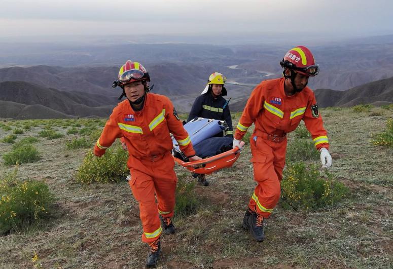 В Боливии микроавтобус сорвался в ущелье, погибли пять человек