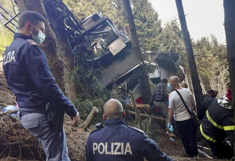 İtaliyada dağ kanatının qırılması nəticəsində ölənlərin sayı 14 nəfərə çatıb