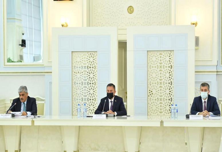 """""""Büdcənin icrası haqqında"""" qanun layihəsi MM-in plenar iclasına tövsiyə edilib"""