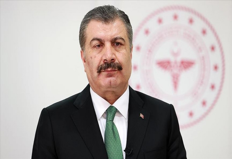 Turkish health chief urges vaccination of health staff families