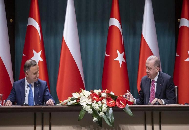 Турция направит истребители F-16 в Польшу