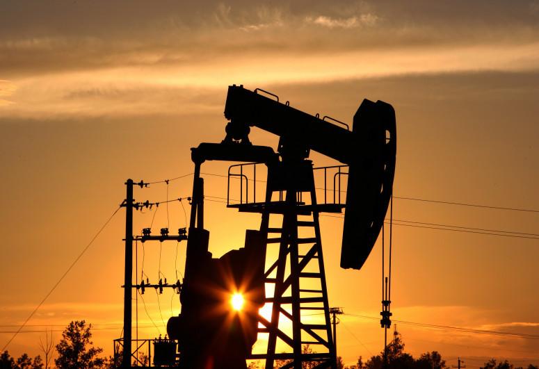 Price of Brent crude oil slightly increases, WTI decreases