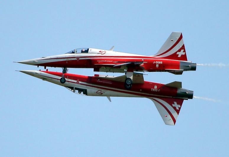 Swiss air force jet crashes, pilot unhurt