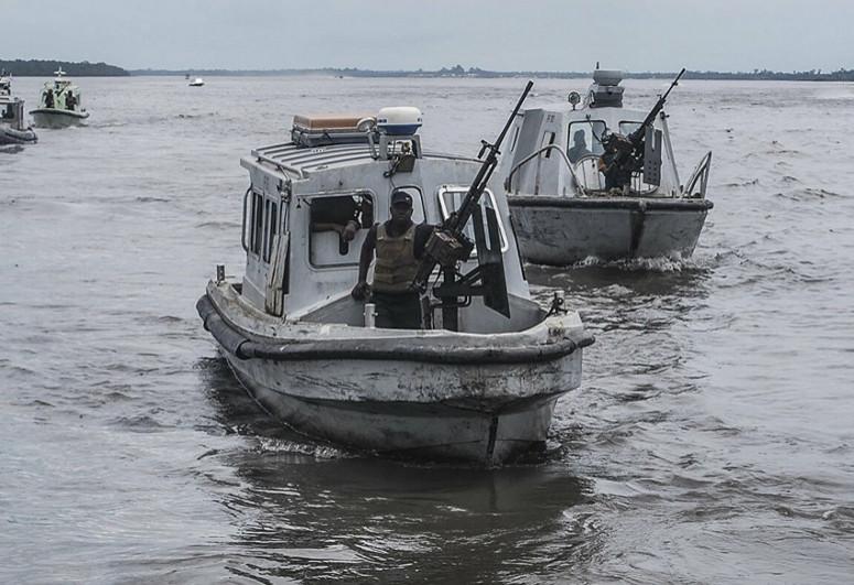 В Нигерии более ста человек пропали без вести после крушения судна