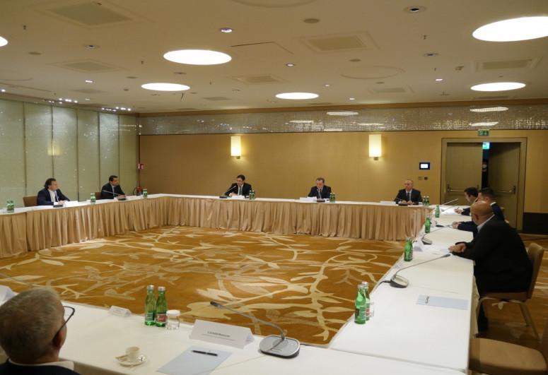 Джейхун Байрамов встретился с членами азербайджанской диаспоры в Австрии
