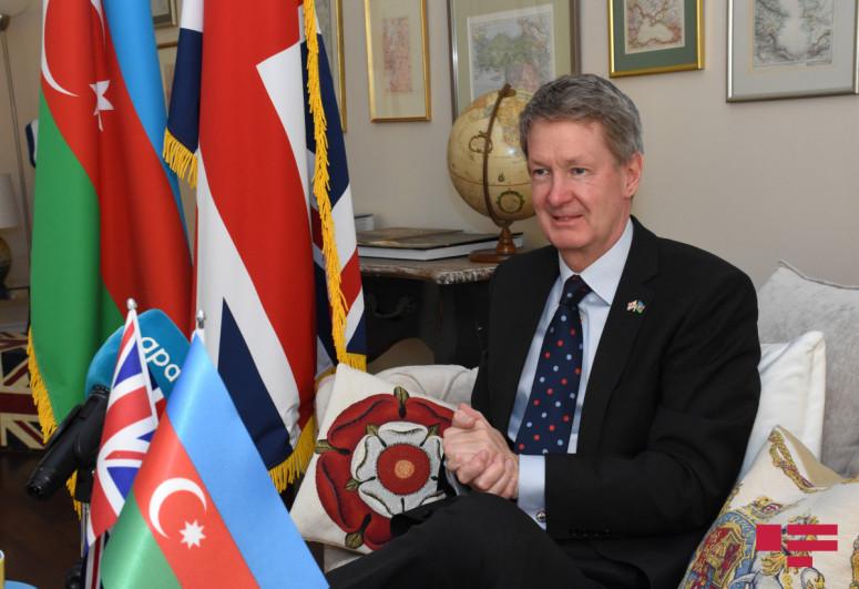 """Посол Великобритании поздравил азербайджанский народ с Днем Республики-<span class=""""red_color"""">ВИДЕО"""