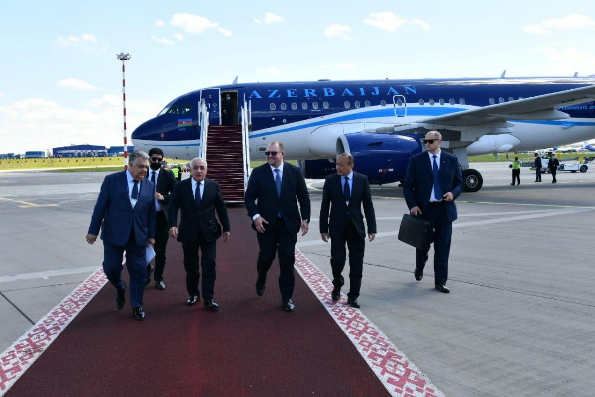 Премьер-министр Али Асадов прибыл с визитом в Минск