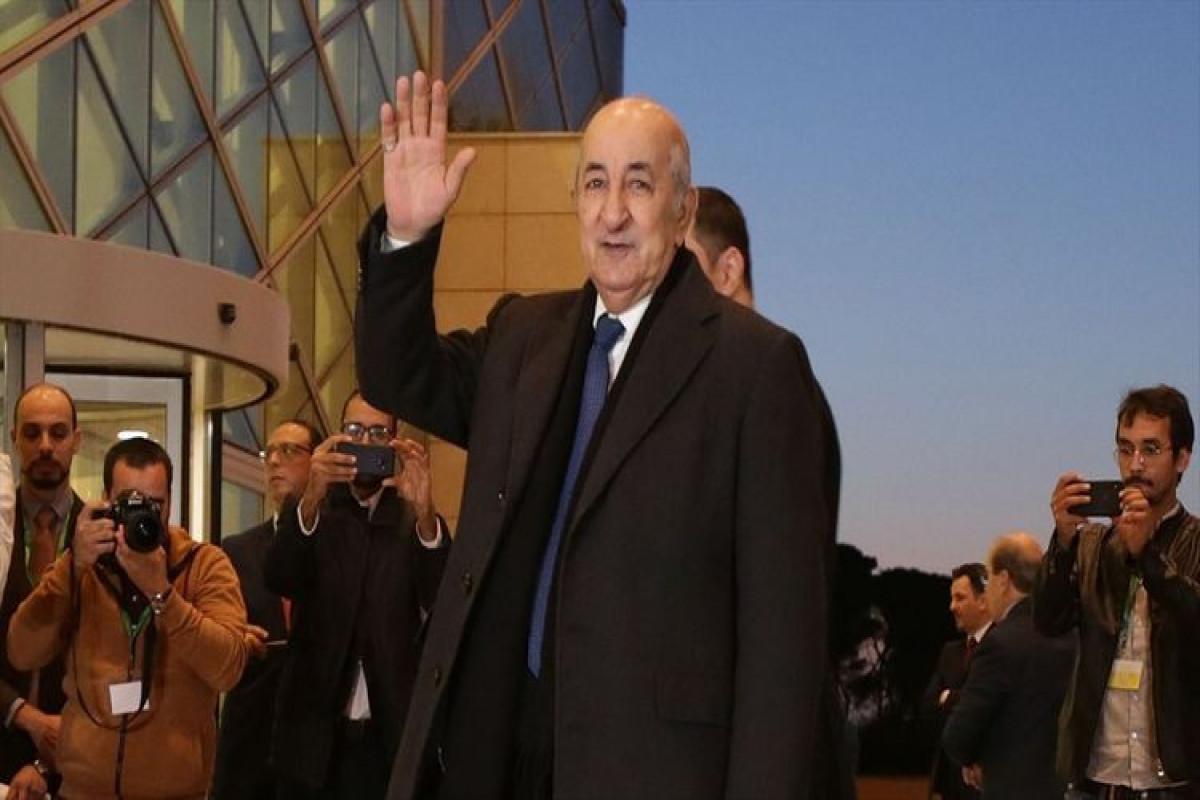 Президент Алжира поздравил президента Ильхама Алиева