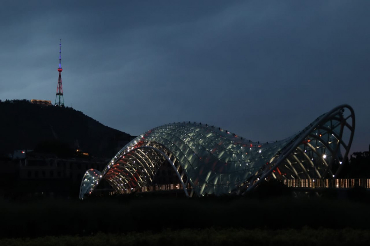 "Телебашня и здание Сакребуло в Тбилиси окрасились в цвета азербайджанского флага-<span class=""red_color"">ФОТО"