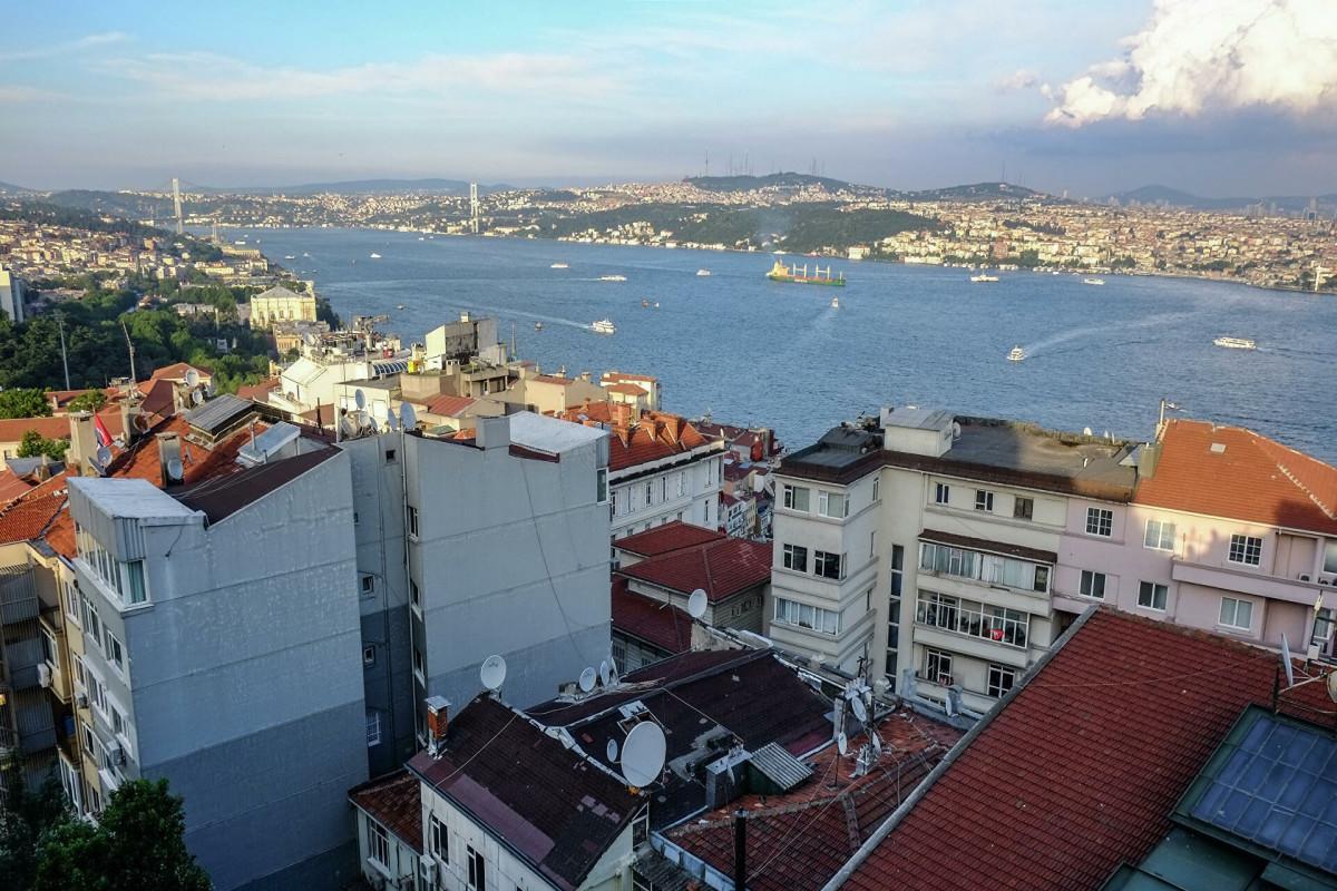 Власти Стамбула прокомментировали ситуацию в Босфоре