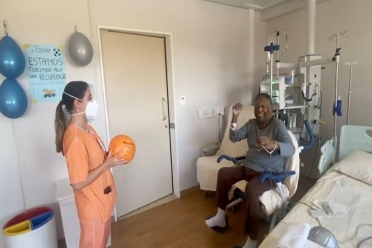 Brazil soccer legend Pele leaving hospital, to undergo chemotherapy