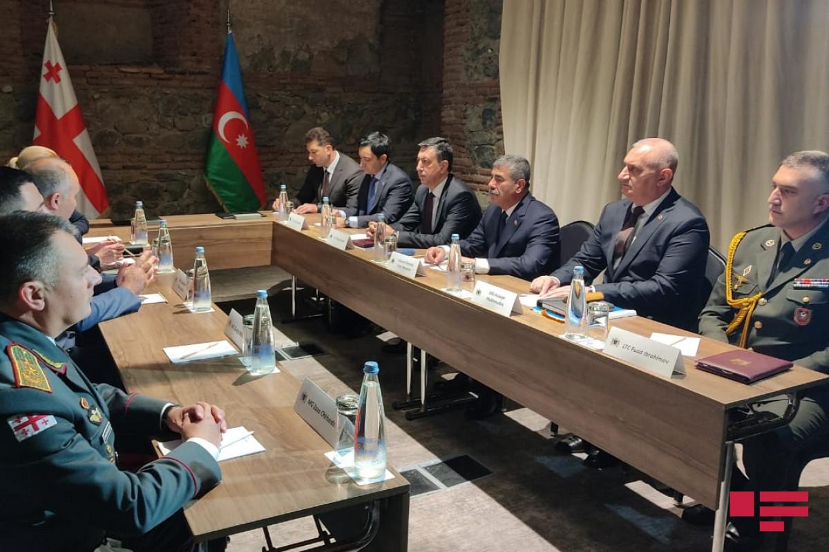 Azərbaycan və Gürcüstan müdafiə nazirləri arasında ikitərəfli görüş olub