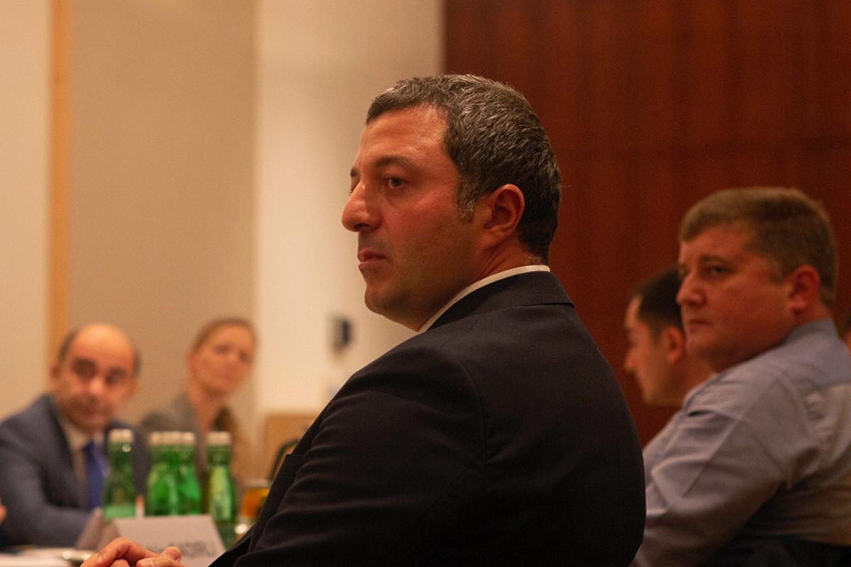 Azərbaycanlı deputatların Ermənistandan olan siyasi partiya nümayəndələri ilə görüşü