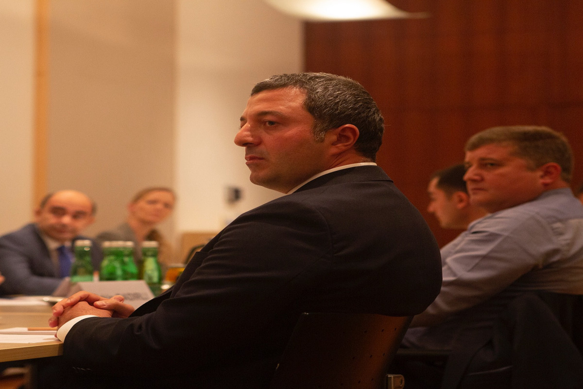 Азербайджанские депутаты встретились с представителями политических партий Армении