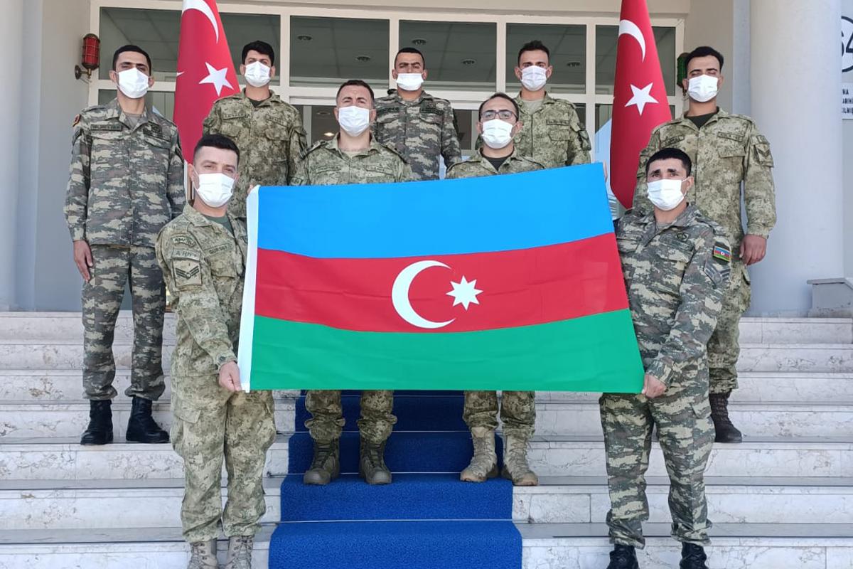 Azərbaycan hərbçiləri Türkiyədə təlim kursunda iştirak edir - FOTO