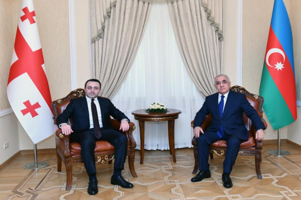 İrakli Qaribaşvili, Əli Əsədov
