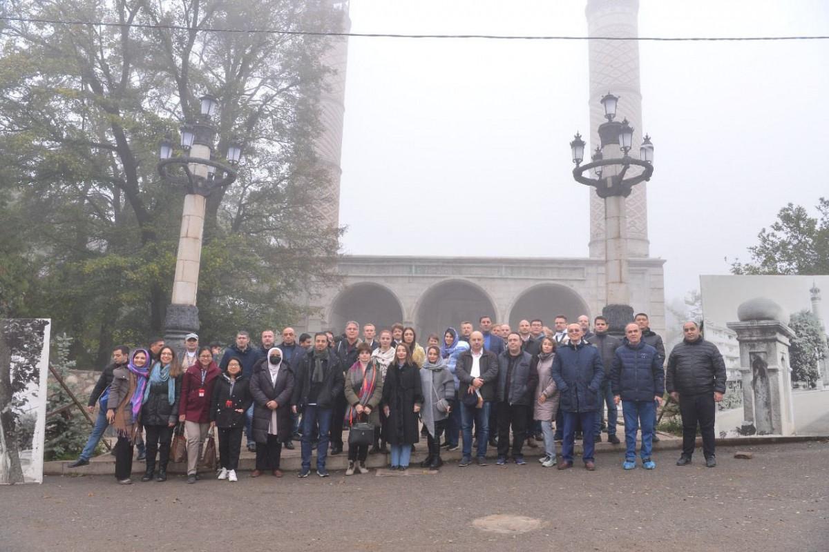 Diplomatik korpusun nümayəndələri Şuşada tarixi abidələri ziyarət edib