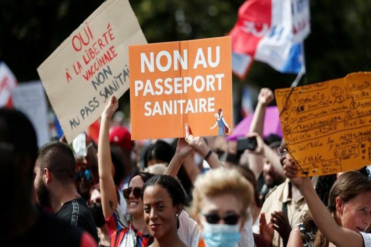 Fransada sanitariya pasportuna qarşı 150-dən çox etiraz aksiyası keçirilib