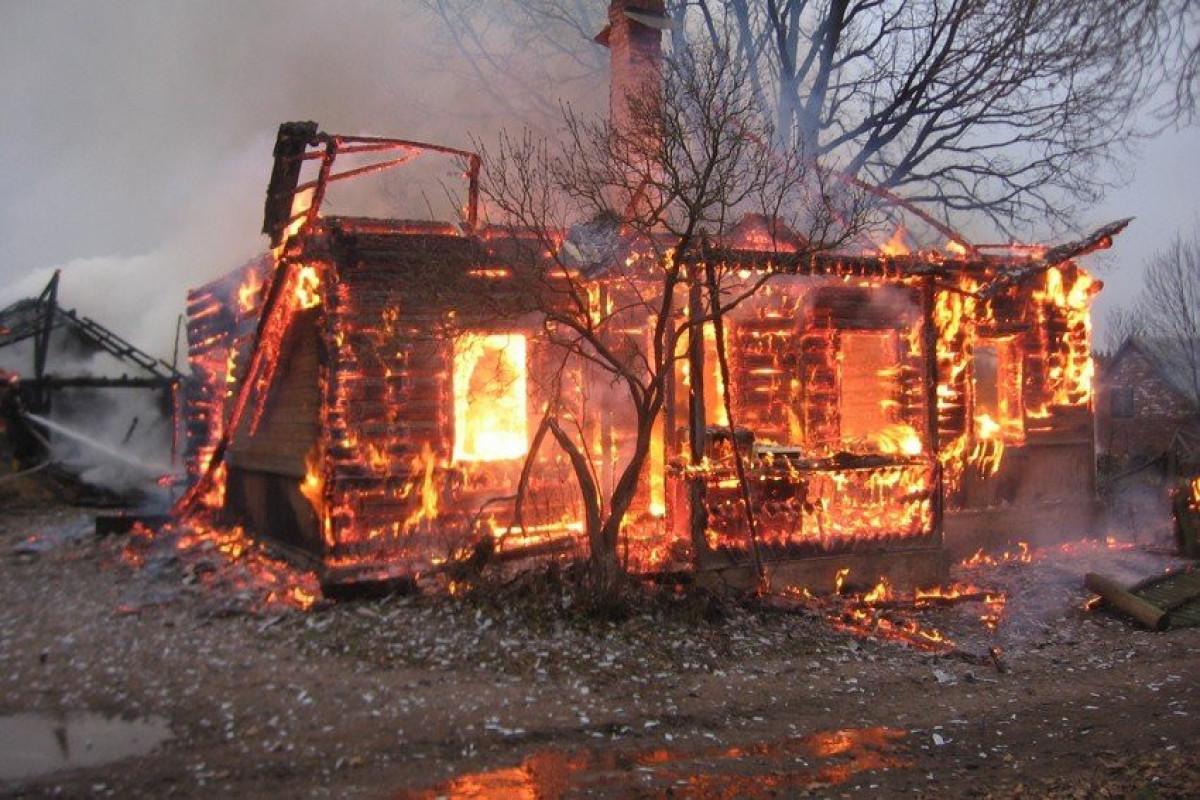 Rusiyada evdə yanğın olub, 3-ü uşaq olmaqla, 6 nəfər ölüb - YENİLƏNİB-1