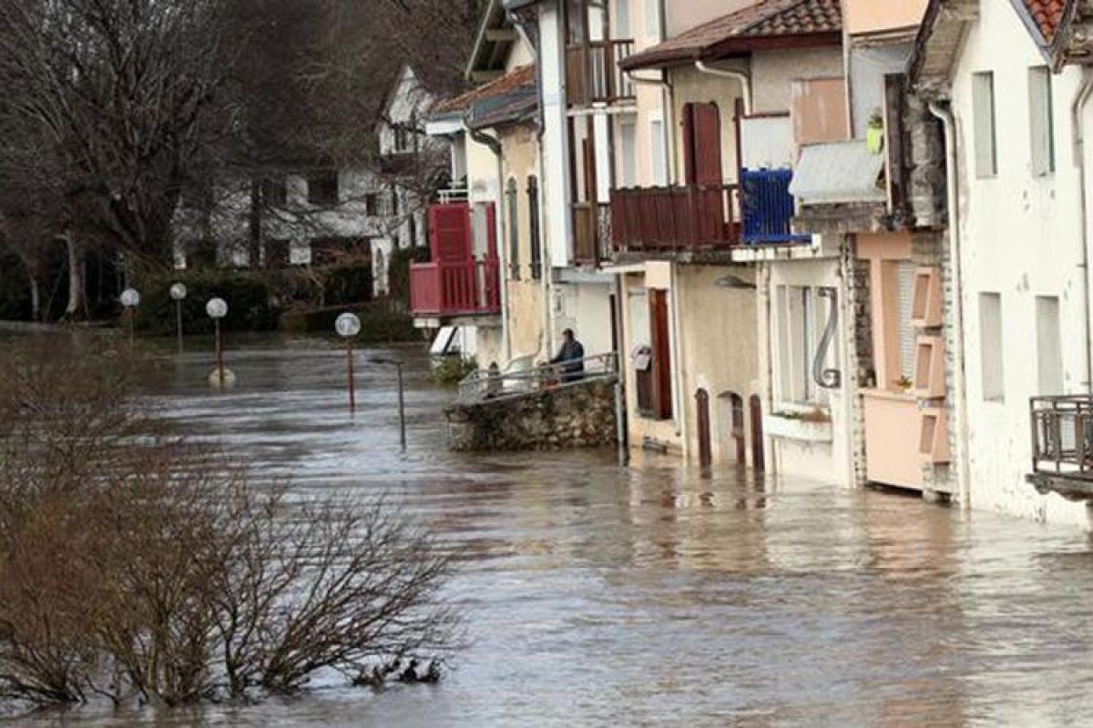 Yunanıstanda 200-dən çox evi su basıb