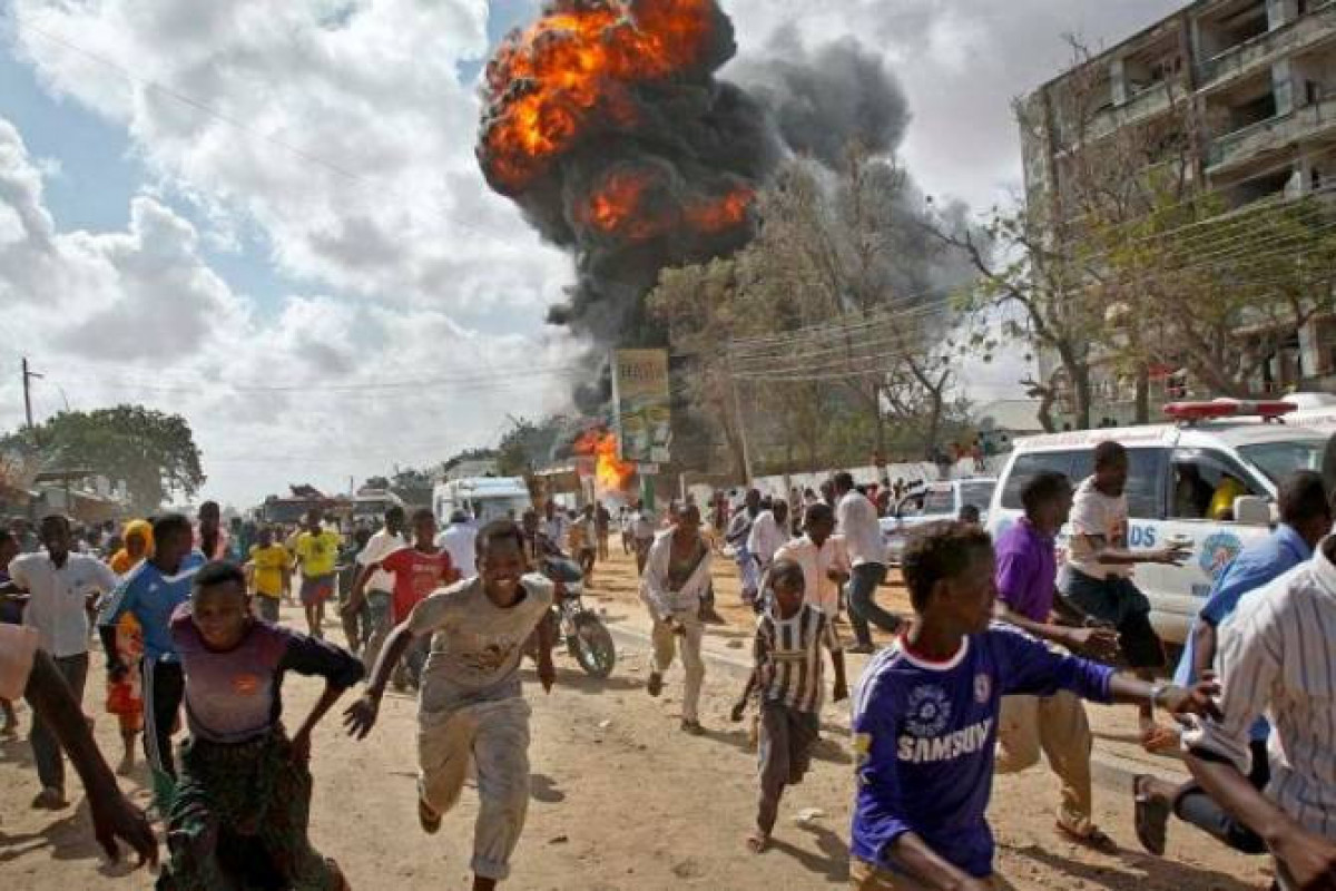 """Somalinin paytaxtında partlayış törədilib, ölənlər var - <span class=""""red_color"""">YENİLƏNİB"""