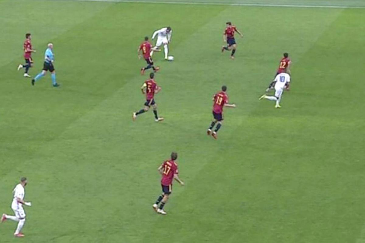 УЕФА намерен улучшить формулировки правил определения офсайда