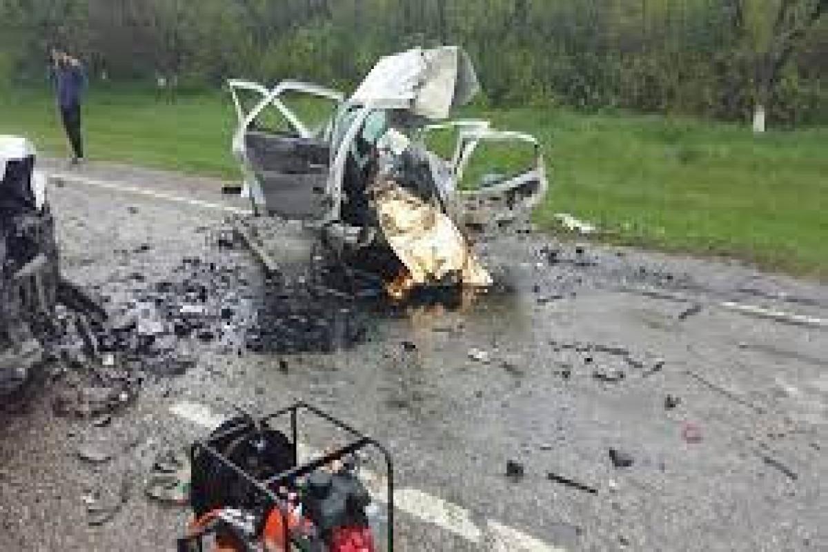 Dağıstanda minik avtomobili avtobusla toqquşub, 4 nəfər ölüb
